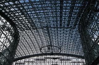 金沢駅のもてなしドーム
