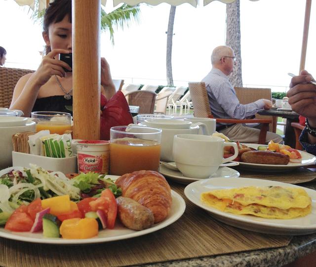 Halekulani(ハレクラニ)で朝食