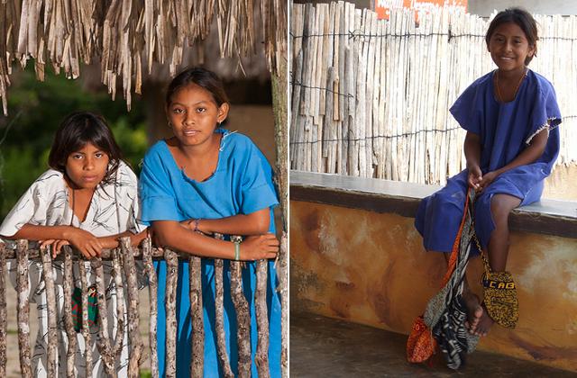 Wayuu族の女の子たちが持つ小さなmochila
