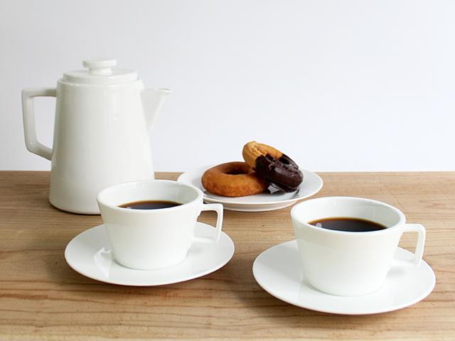 DINNERWARE & CO/Piet Hein Eekのテーブルウェアでお茶を