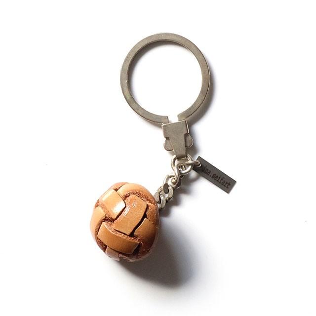ina.seifartlederknopf keyholder ラウンドボタンキーホルダー / ベージュ